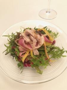 鶏モモコンフィと根菜のラペサラダ