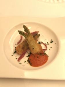 タラの芽のフリット トマトソース